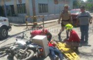 CHOQUE ENTRE AUTO Y MOTOCICLISTA, EN CALLES DE MMORELOS, REPORTAN UNA PERSONA HERIDA.
