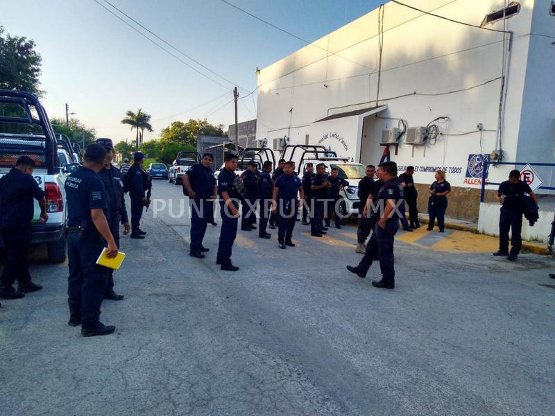 PROTESTAN POLICIAS EN ALLENDE PIDEN DESTITUCIÓN DE COMANDANTE Y SECRETARIO DE SEGURIDAD PÚBLICA.