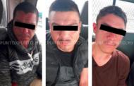 POLICÍAS DE CADEREYTA DETIENEN A TRES DE MMORELOS CON DROGA Y DINERO EN EFECTIVO.