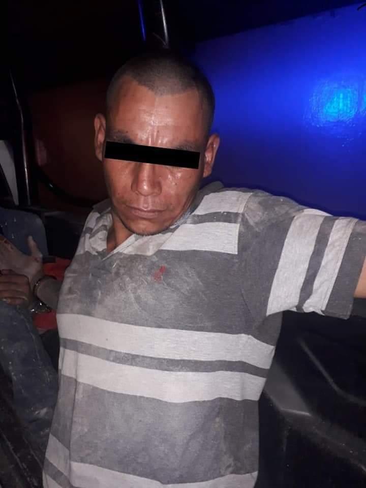 DETIENE LA POLICÍA DE CADEREYTA Y FUERZA CIVIL A DOS QUE MANEJABAN AUTO ROBADO.