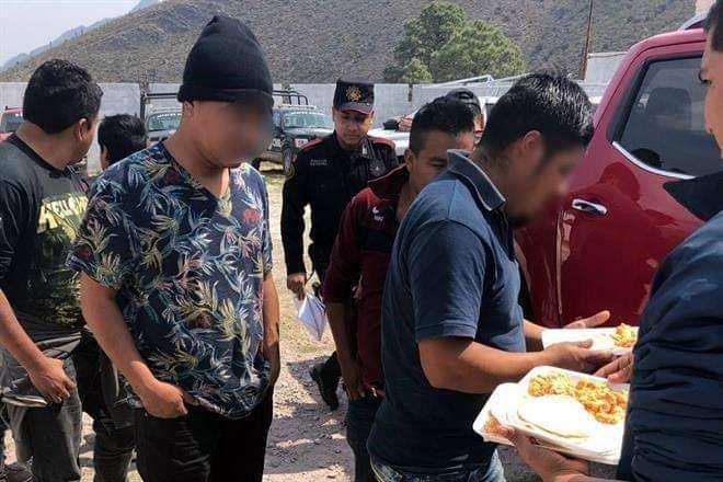 DETIENE FUERZA CIVIL A POLLEROS CON 80 MIGRANTES, 17 ERAN NIÑOS.