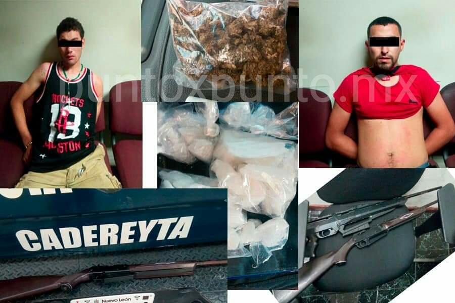 POLICÍA DE CADEREYTA DETIENE A DOS QUE SE ENCUENTRA ARMAS MARIHUANA Y CRISTAL.